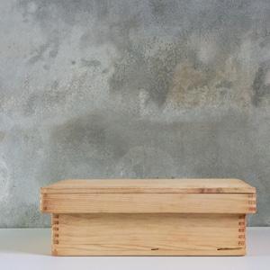 檜の蓋付箱