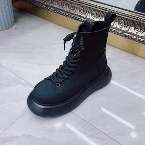 【シューズ】カジュアル丸トゥ厚底ショート丈ブーツ52900620