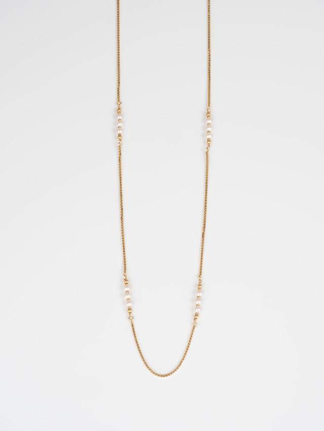 Pearl Necklace / Friedrich Binder