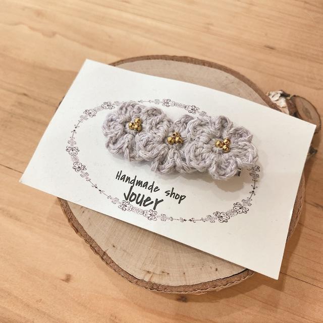 手縫いレースの小花ヘアクリップ グレー