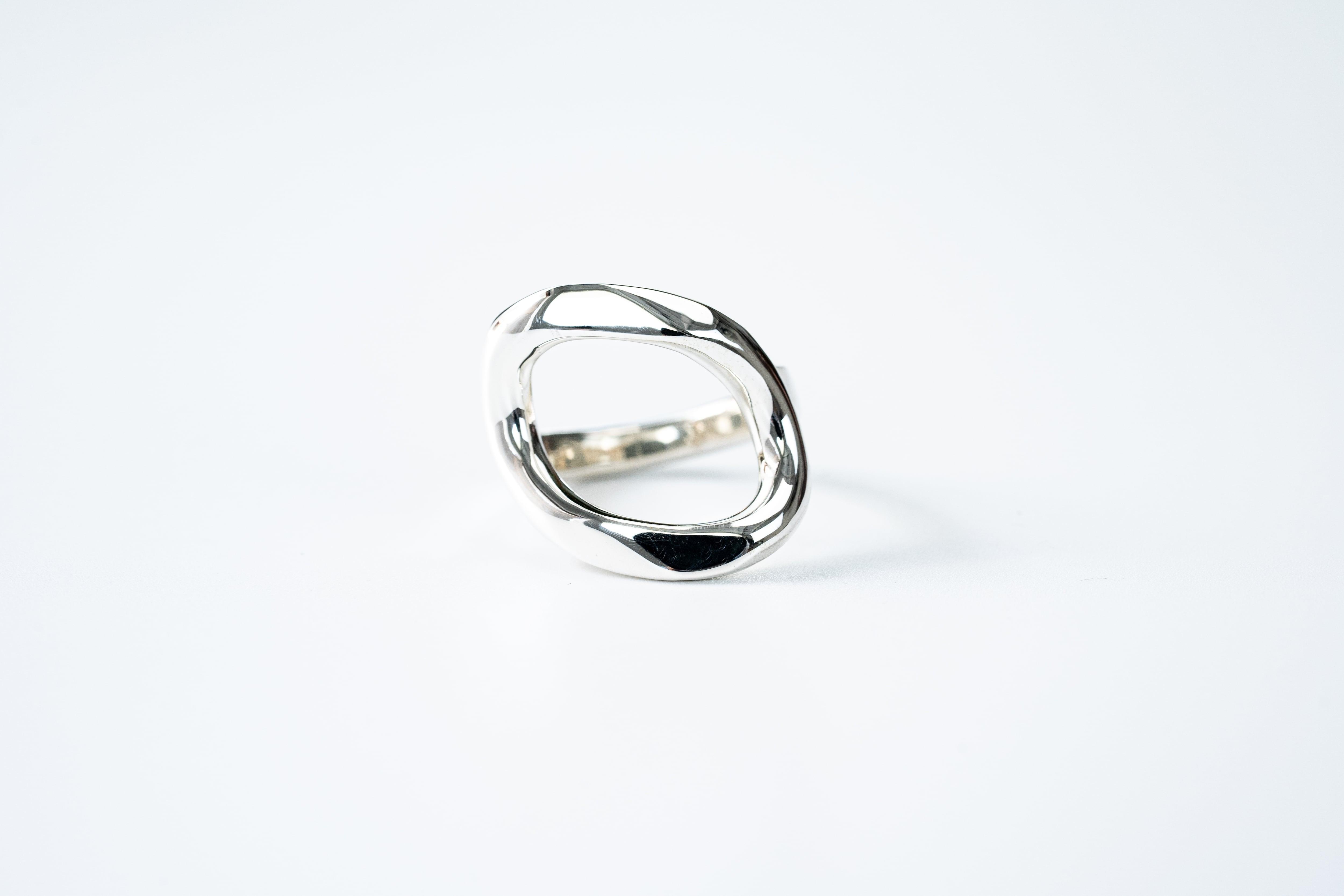 R-061 See through curve ring  M