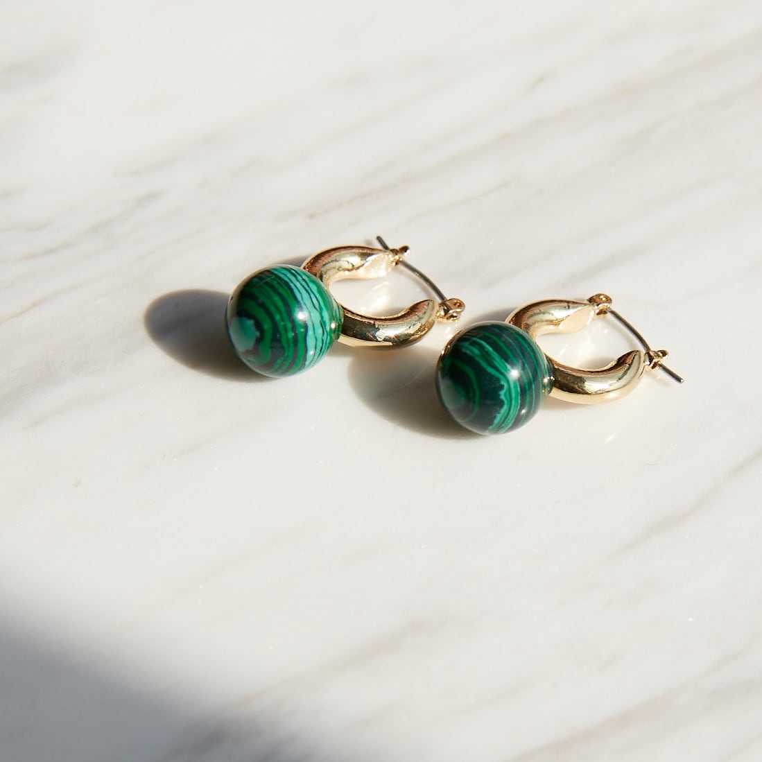 nim-15 Pierced earring