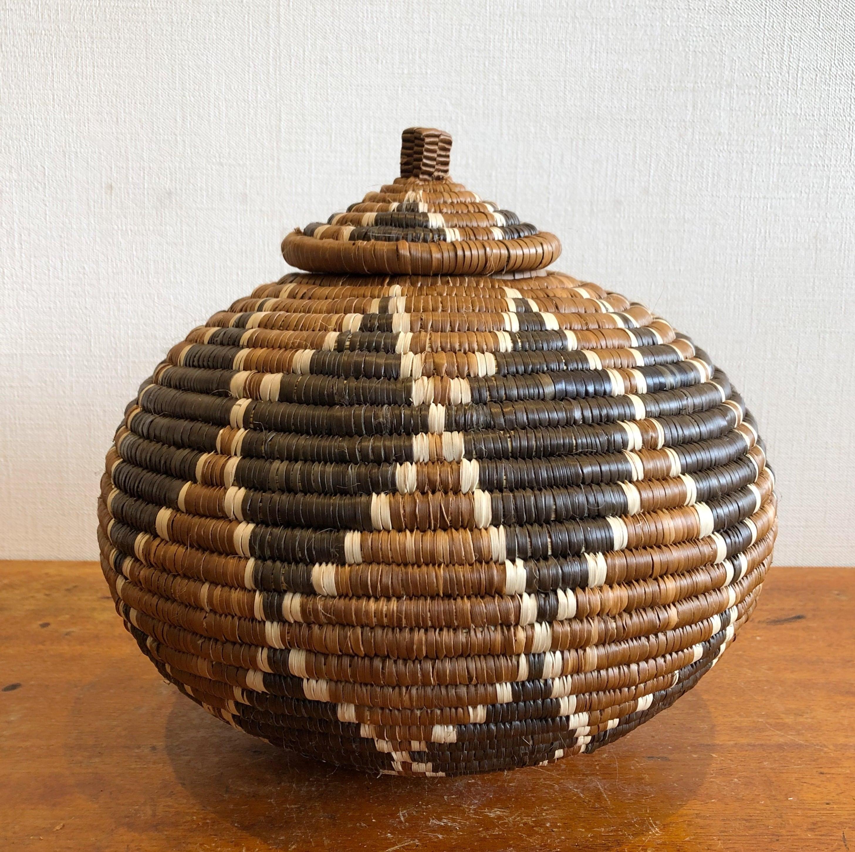 壺型ズールーバスケット Made in Africa #C