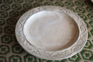 糠釉押紋手平皿