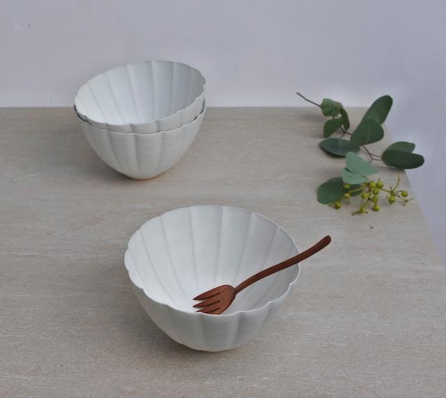 黒木泰等/ 白釉 菊鉢