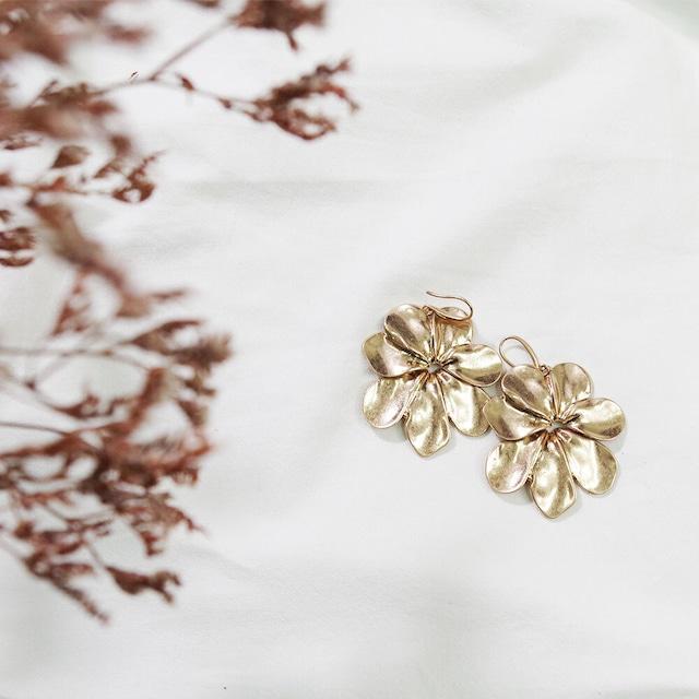 フラワーモチーフピアス(シルバー・ゴールド) 花柄 ヴィンテージ