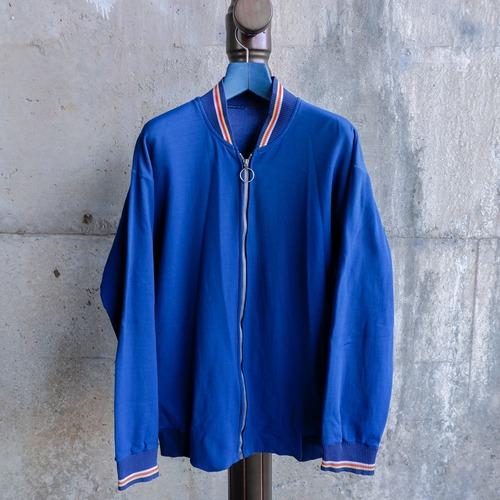 青いトラックジャケット-9