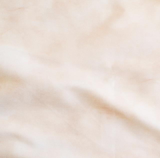 <淡い桃色 > コットンリネンキャンバス生地 48cm x 68cm