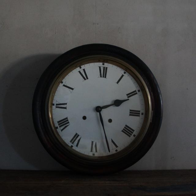 古い国産の壁掛け時計