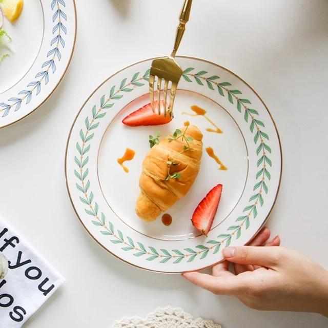【送料無料】即納 フラワーリース柄 プレート 平皿 ブルー/グリーン 韓国インテリア 韓国雑貨