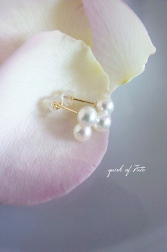 K18YG Akoya Twins Pearl Studs Earrings 18金アコヤ双子真珠スタッズピアス(ホワイト)