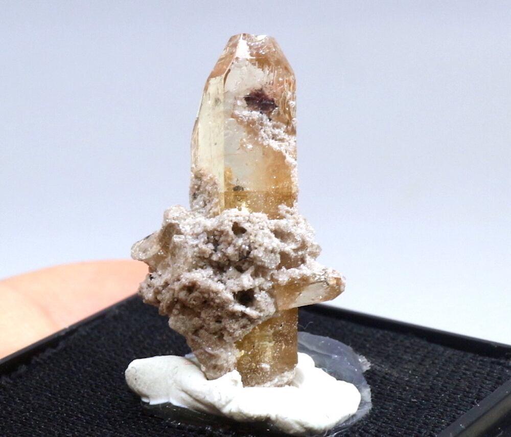 自主採掘!ユタ州産 トパーズ 2,9g 原石 標本 TZ014