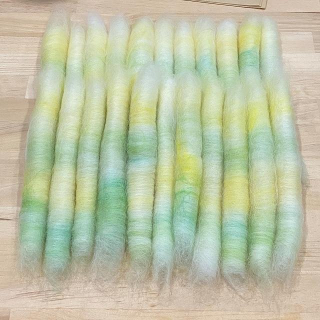 OGY27)「たんぽぽの野原」手紡ぎ用ブレンド羊毛ローラグ22本50g