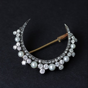 Diamond & Pearl Crescent Brooch Circa 1890-1900  ダイヤモンド&パール クレッシェント ブローチ