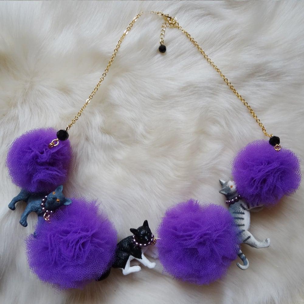 Sedmikrasky セドミックラスキー ポンポンチュール猫ネックレス / パープル