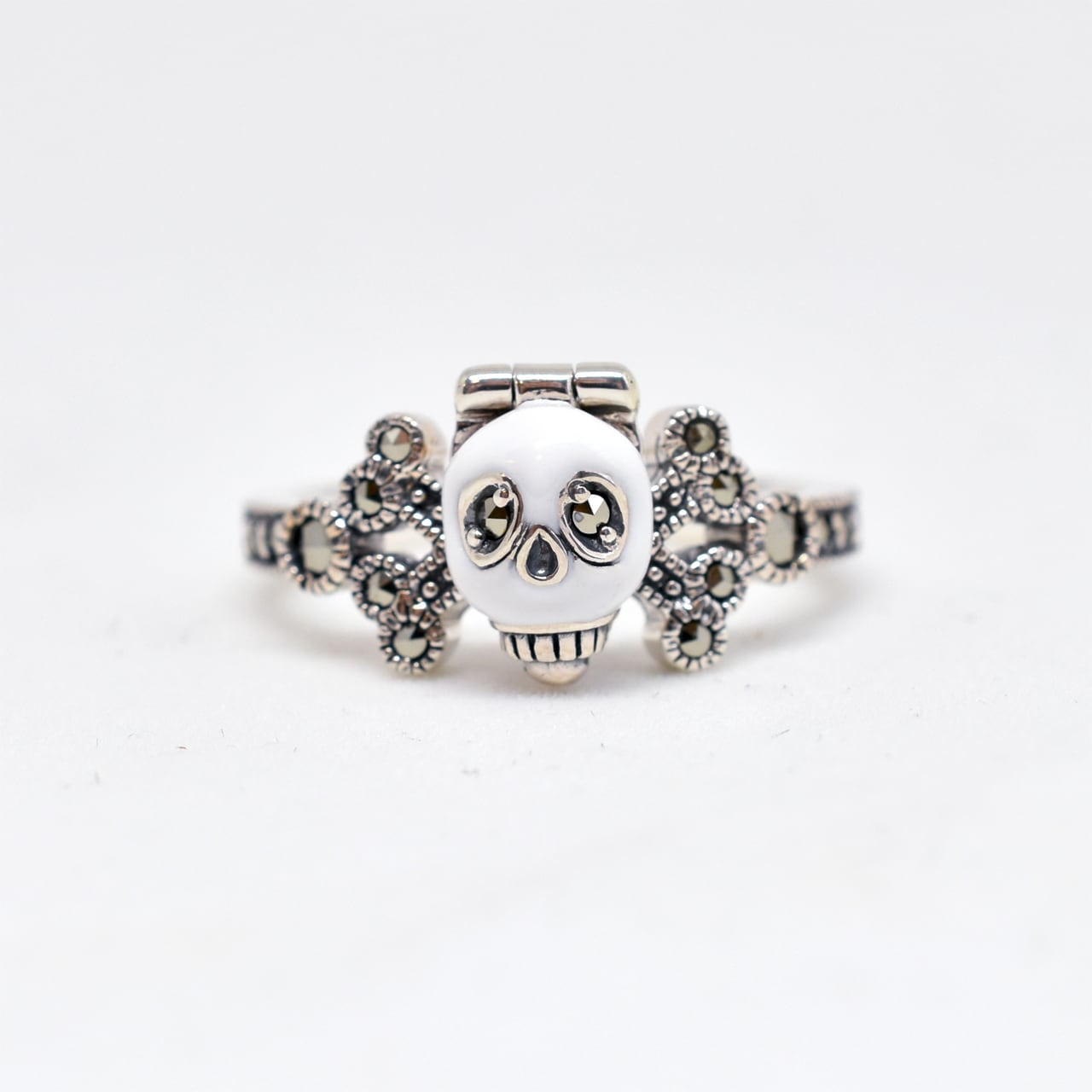 Packaged collection  Skull