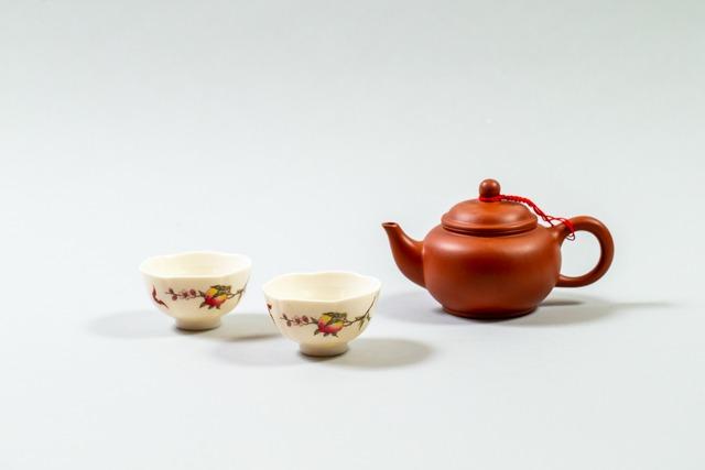 茶器セット 桃とコウモリ