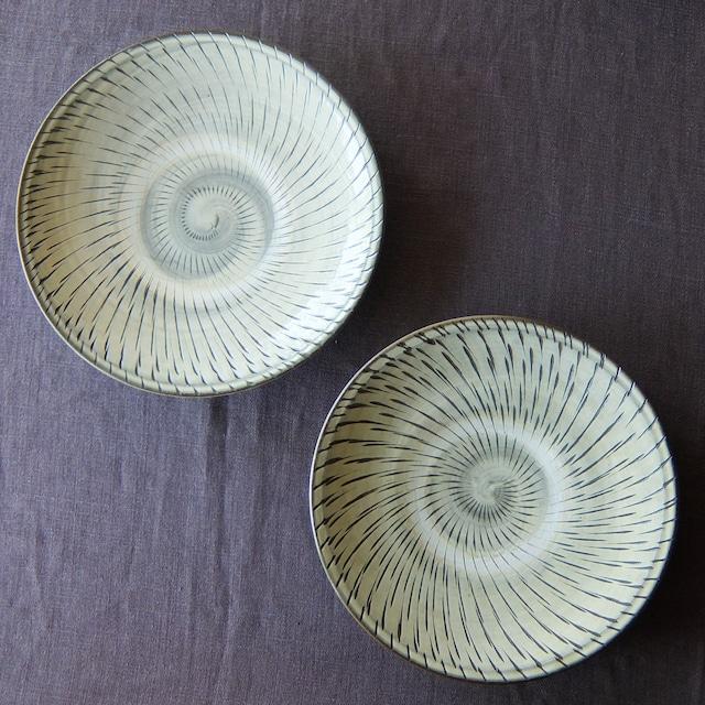 小鹿田焼 坂本工窯 - 8寸皿 - 飛び鉋 (白)
