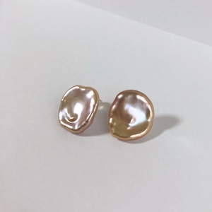 Pink Petal Pearl Pieces - 002 / K18YG・Pair