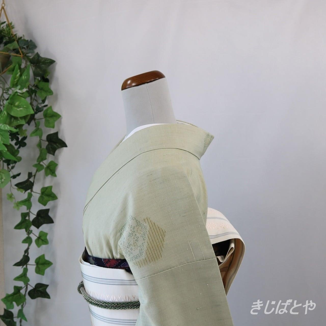 結城紬 薄柳に重ね亀甲の飛び柄 袷