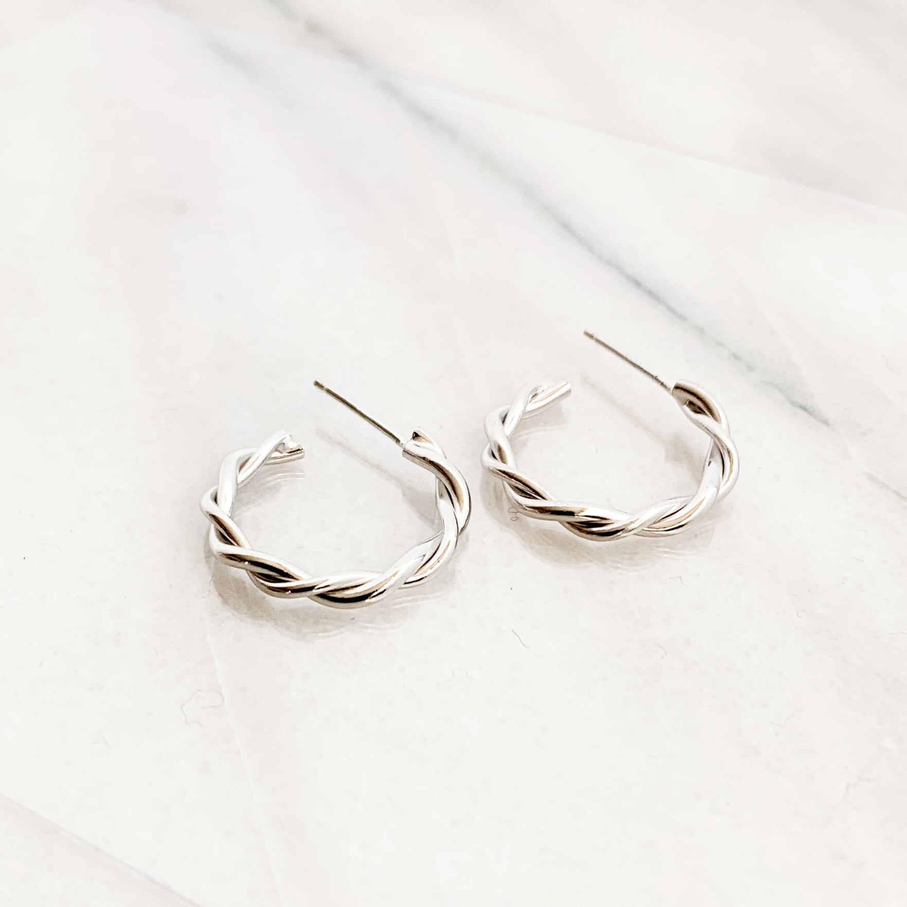 sv925 Silver Twist Hoop Pierce
