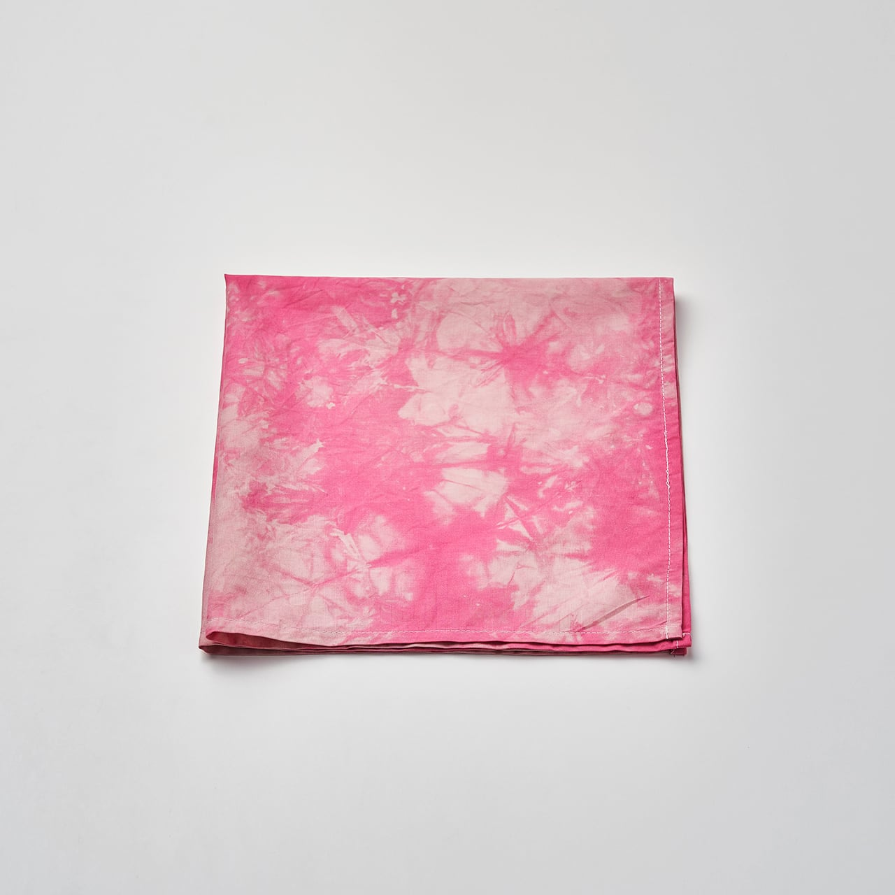 肌触りの良いハンカチ(ピンク)50cm×50cm