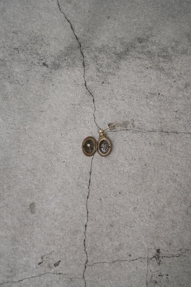 "Addiction  vintage parts pierce  initial ""y"" Flower"