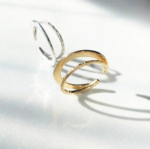 【Hoop_hoop】デザインの違う2種類のフープを組み合わせたイヤカフ(K18GP)