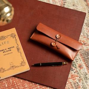 Envelope pen case