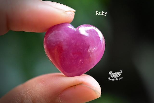 ピンクの表情★ハート型★ルビー rub013