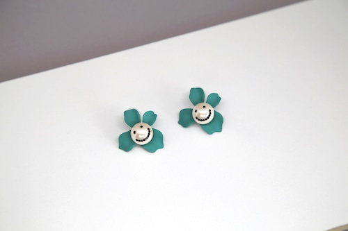PearlSmile in flower G