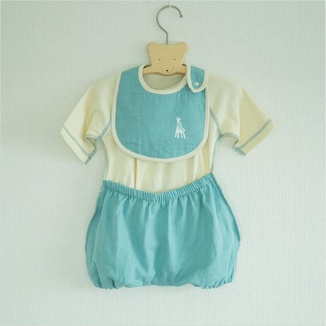 出産祝い ギフトに 可愛くて着替えやすいラクラクふわふわバルーンオール&スタイのセット!(日本製)