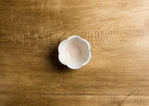 鉄散 輪花豆鉢 (信楽焼・小鉢・粉引)/古谷 浩一