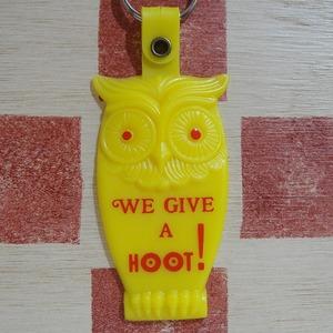 アメリカ WE GIVE A HOOT! フクロウ 広告ノベルティ ヴィンテージキーホルダー(イエロー色)#2