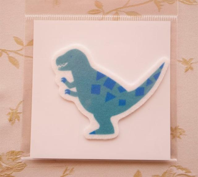 貼り付ければ恐竜小物に変身 可愛い恐竜ワッペン