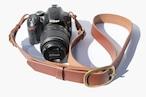 しっかり者の高級革カメラストラップ