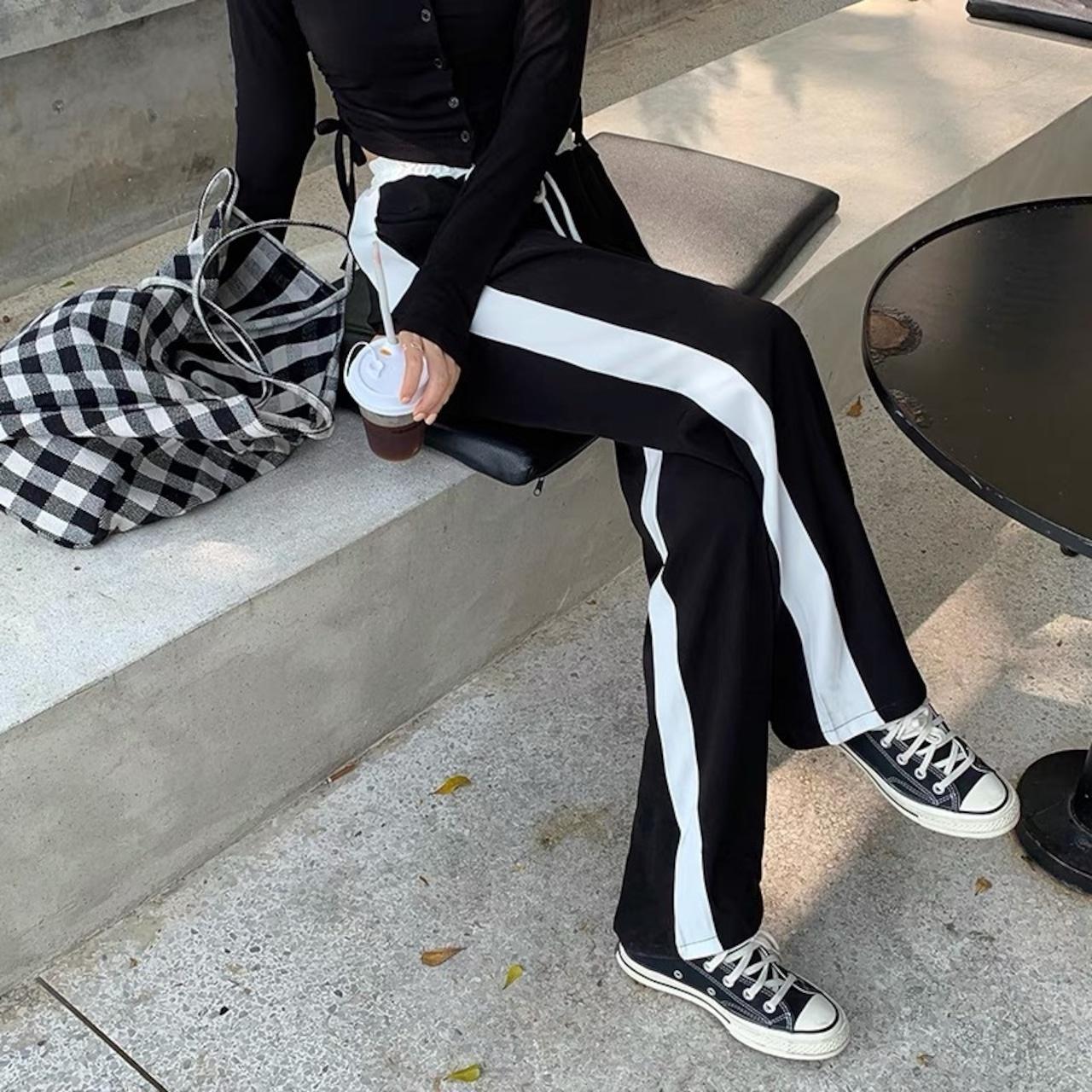 white waist line loose pants