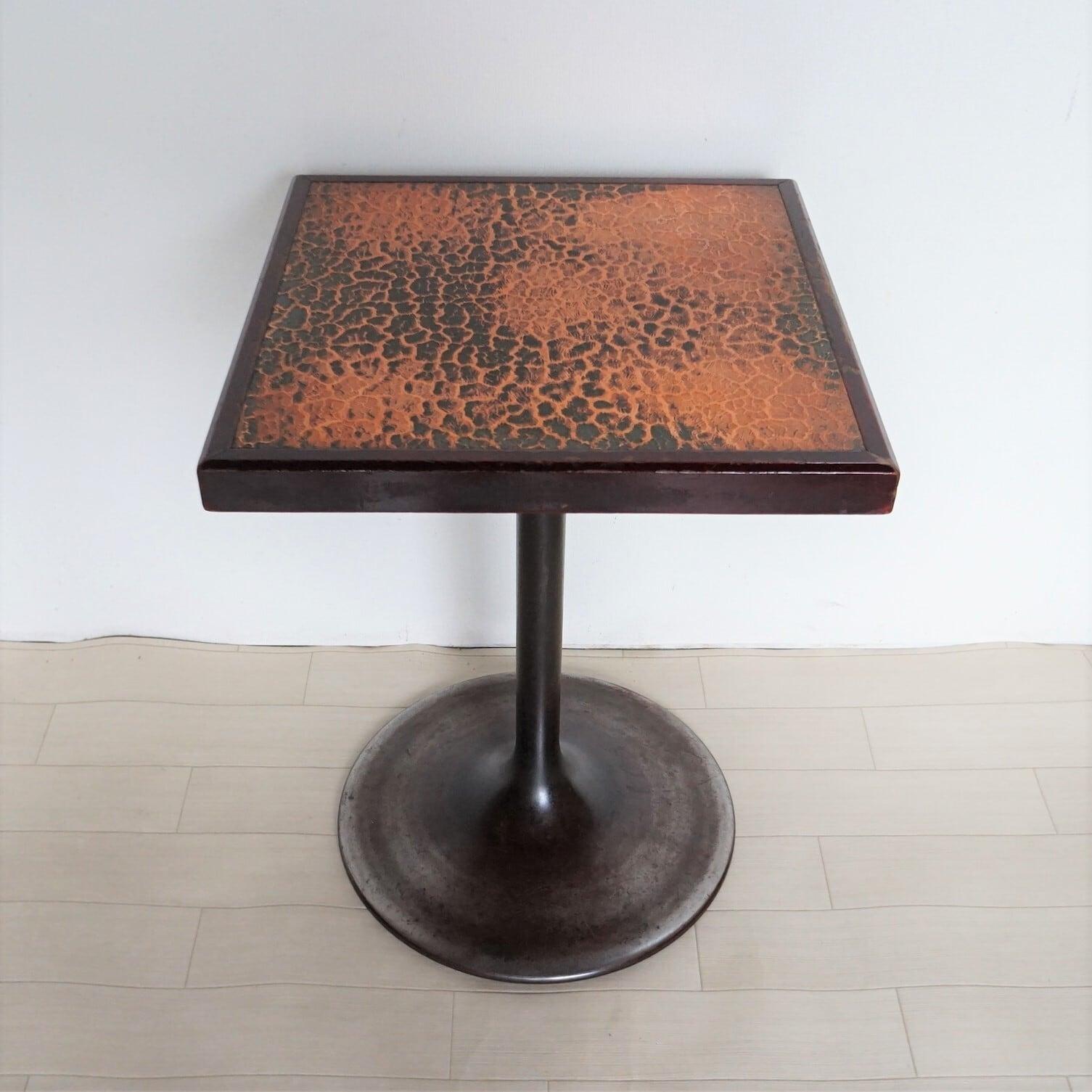 蕃 テーブル