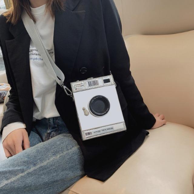 【バッグ】上品な可愛さ レトロ 個性派 ポラロイドカメラモチーフミニバッグ  ショルダーバッグ53900024