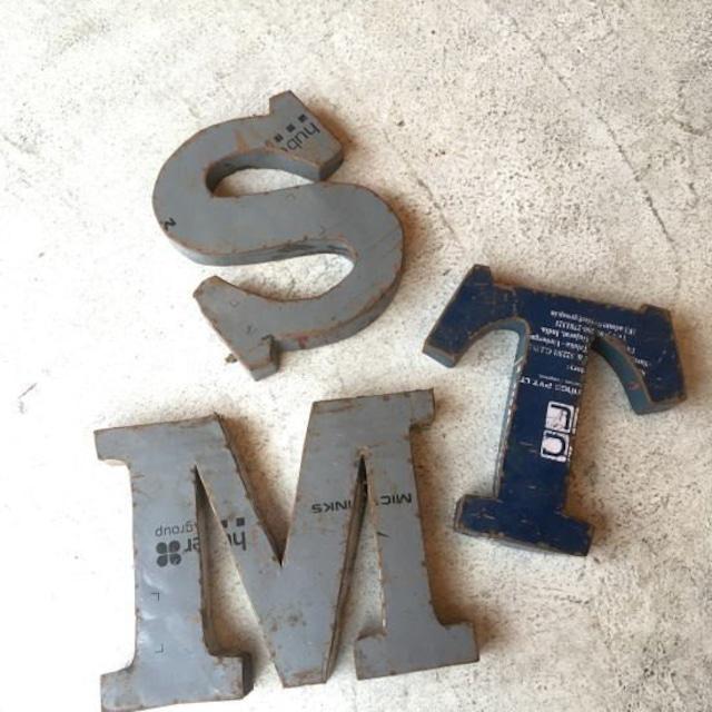 リサイクルアイアン アルファベットオブジェ M/S/T
