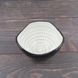 小石原焼 4寸鉢 トビカンナ 外黒 中白 鶴見窯