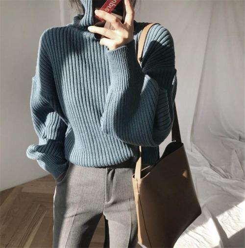 タートルネックセーター(ブルー)