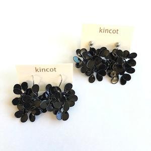 kincot アメリカンフラワーのピアス・イヤリング(ブラック)