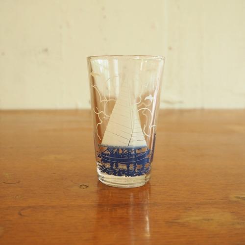 ヨットのグラス