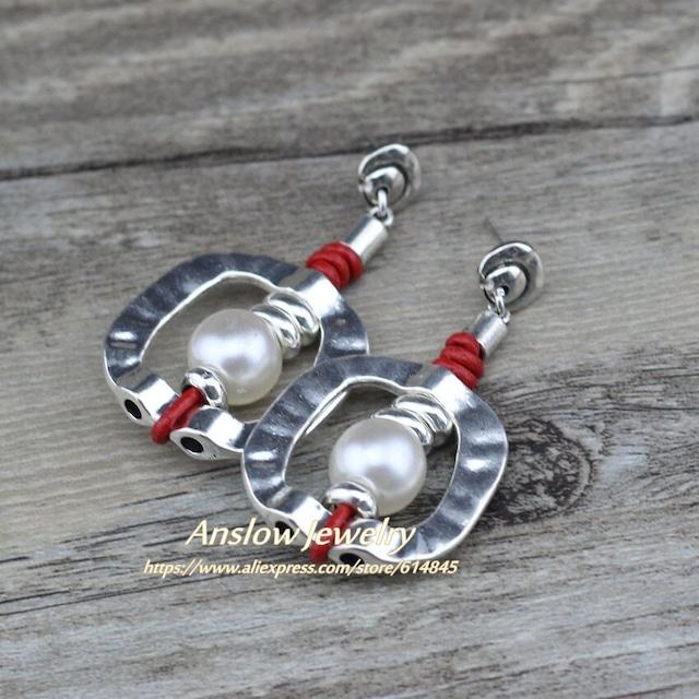 幾何学的な正方形の革の真珠のイヤリングLOW0100AE