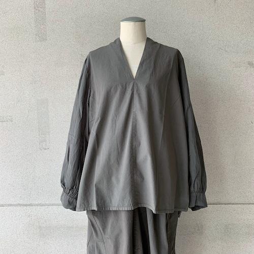 【COSMIC WONDER】Beautiful silk cotton v-necked shirt /01149-1