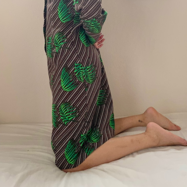 LEAF PATTERN MIDDLE DRESS