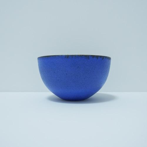 青い金属風の器.1