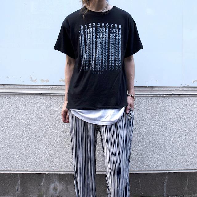 【UNISEX - 1 size】ICONIC TEE / Black