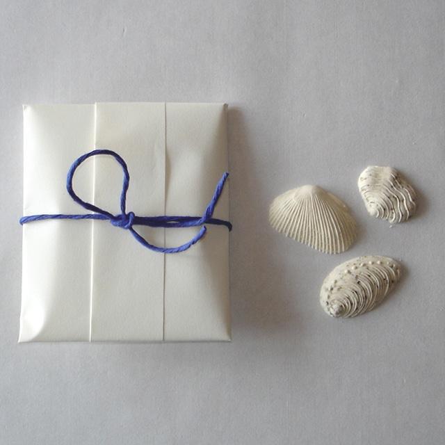 貝 3個入り紙包み